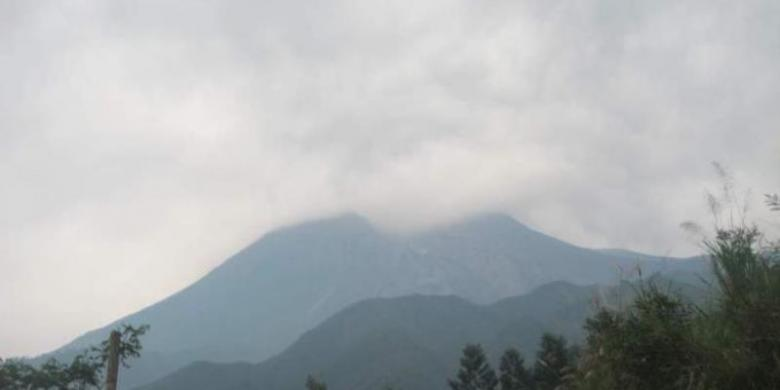 Suasana Merapi selepas erupsi, Kamis sore (27/03/2014).